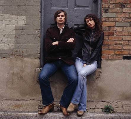 Husband-and-wife folk rockers Johnny Irion and Sarah Lee Guthrie will open up 2008's Tales from the Tavern concert series on Wednesday, February 13.