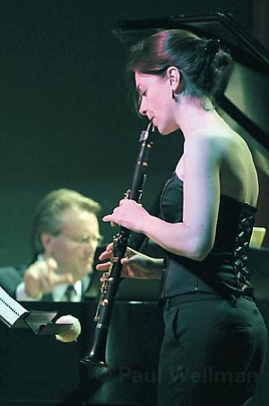 Carol McGonnell (foreground) and Kevin Fitz-Gerald were part of a trio that teamed up twice, once for a piece by Robert Schumann and then again for Gyrgy Kurt¡g's <em>Hommage   Robert Schumann</em>.
