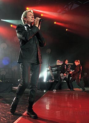 Simon Le Bon leads Duran Duran through a set of new tracks and old favorites during their season-opening performance at the Santa Barbara Bowl on Saturday.