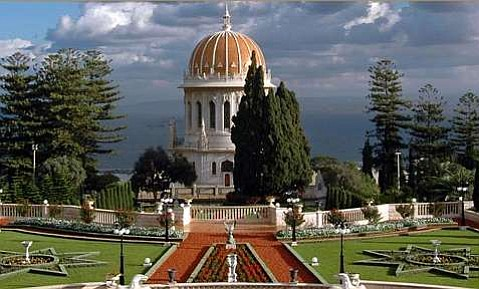 The Shrine of the B¡b, the burial place of one of the Founders of the Bah¡'- Faith, on Mount Carmel in Haifa, Israel.