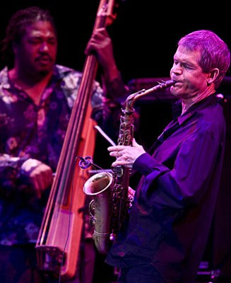 David Sanborn recalled the compositional genius of Ray Charles and the soulful style of saxophonist Hank Crawford at his recent Lobero Theatre appearance.