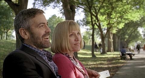George Clooney as Harry Pfarrer and Frances McDormand as Linda Litzke in <em>Burn After Reading</em>.