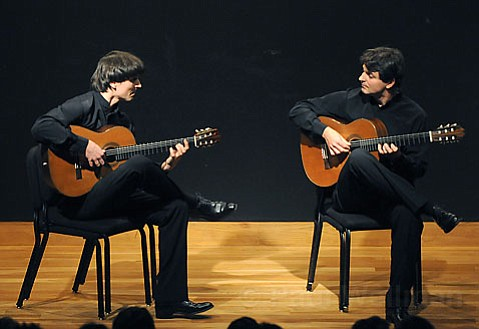 Peter and Zolt¡n Katona played a wide-ranging program in SBMA's chamber music series.