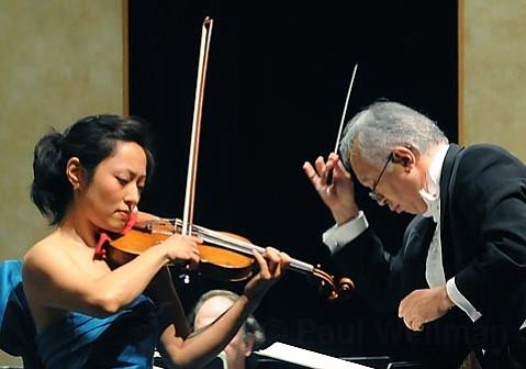 Soloist Joan Kwuon joined the Santa Barbara Chamber Orchestra for Beethoven's <em>Violin Concerto in D Major, Op. 61.</em>