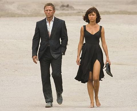 Daniel Craig as James Bond and Olga Kurylenko as Camille in <em>Quantum of Solace</em>.