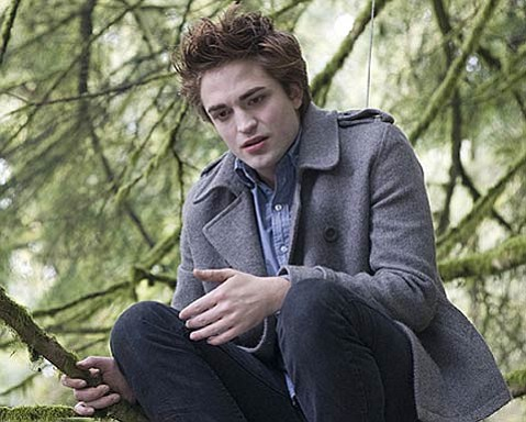 <em>Twilight</em> stars Robert Pattinson as vampire Edward Cullen.