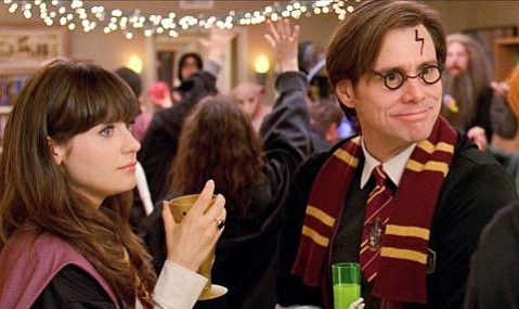 Zooey Deschanel (left) and Jim Carrey (right) star in Yes Man.