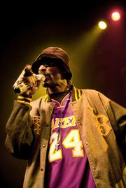 Snoop Dogg headlined a raucous night of West Coast hip-hop last Tuesday at the Majestic Ventura Theater.