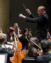 Larry Rachleff conducting the Academy Festival Orchestra in 2008.