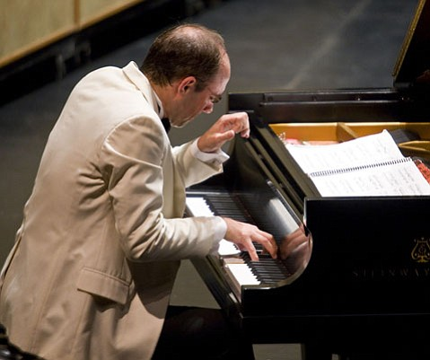 Christopher Taylor excelled at performing both his specialty, the music of Olivier Messiaen, and the music of W.A. Mozart.
