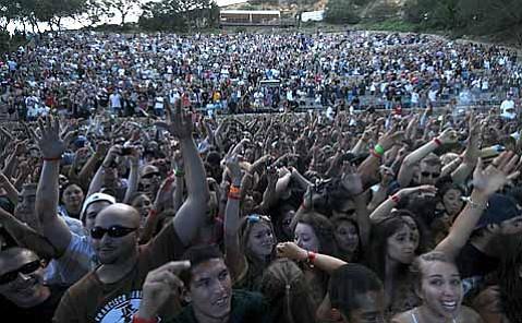 The crowd loves Snoop