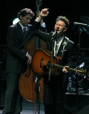 Droll banter and witty songwriting made for a flawless performance by Lyle Lovett at the Bowl.