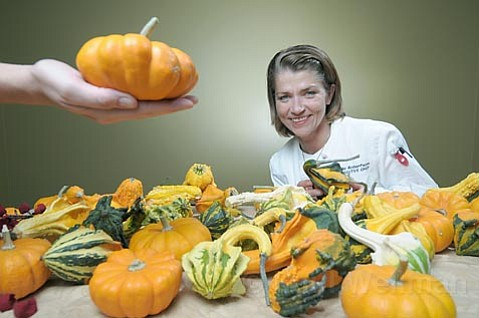 Private caterer Edie Robertson has created a baked squash dish sure to freshen up your Thanksgiving.