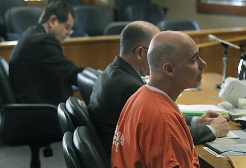 Steven Neff addresses the court before sentencing Dec. 14, 2009