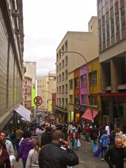 A street in chilly downtown São Paulo is crowded with coat and boot-clad Brazilians. This would never happen in Rio.