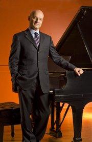Pianist Robert Koeni.