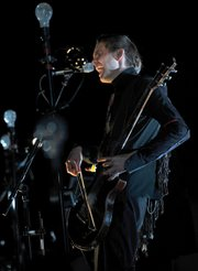 <b>BEND IT LIKE JÓNSI:</b>  Sigur Rós frontman Jón Þór Birgisson unleashed some impressive vocal tricks during the band's show at the Bowl.