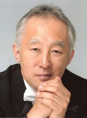 <b>HEAD OF THE CLASS:</b>  Maestro Heiichiro Ohyama and the Santa Barbara Chamber Orchestra are proving to be a delicious acoustic fit for the Music Academy's Hahn Hall. The orchestra performed a series of string works there on Tuesday, December 10.