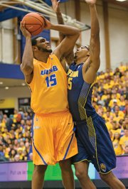 "<b>OUR MAN AL:</b> The Gauchos have the nation's leading rebounder (11.6 per game) in junior center Alan ""Big Al"" Williams (#15). The Big West bestowed six Player of the Week awards on Big Al this season, and the conference named him the 2014 Player of the Year."