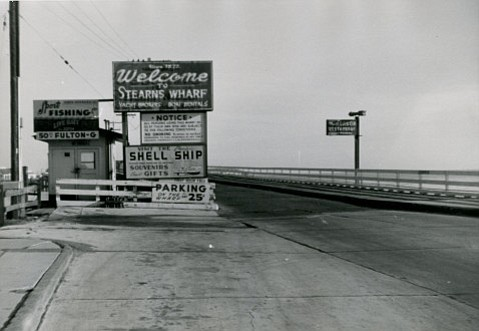 Stearns Wharf in 1954