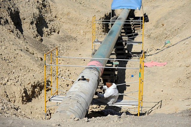 Plains pipeline 903, which connects to Line 901, shown here, as they carry crude oil to Kern County, has been ordered cleaned out by PHMSA.