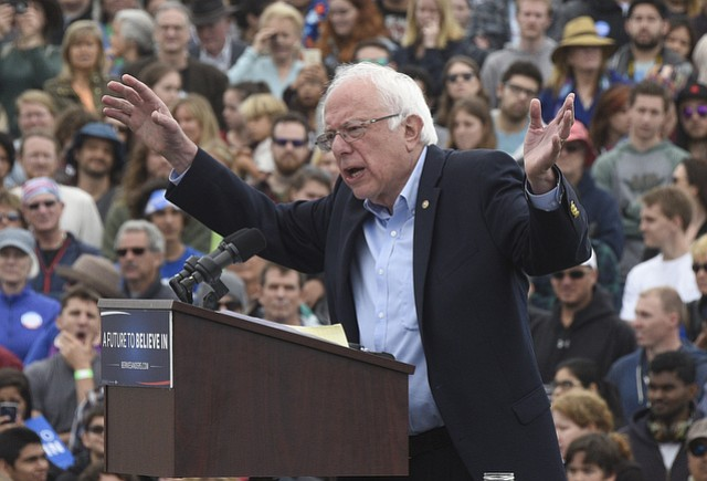 Presidential candidate Bernie Sanders speaks to a crowd of 6,000 at SBCC. (May 28, 2016)