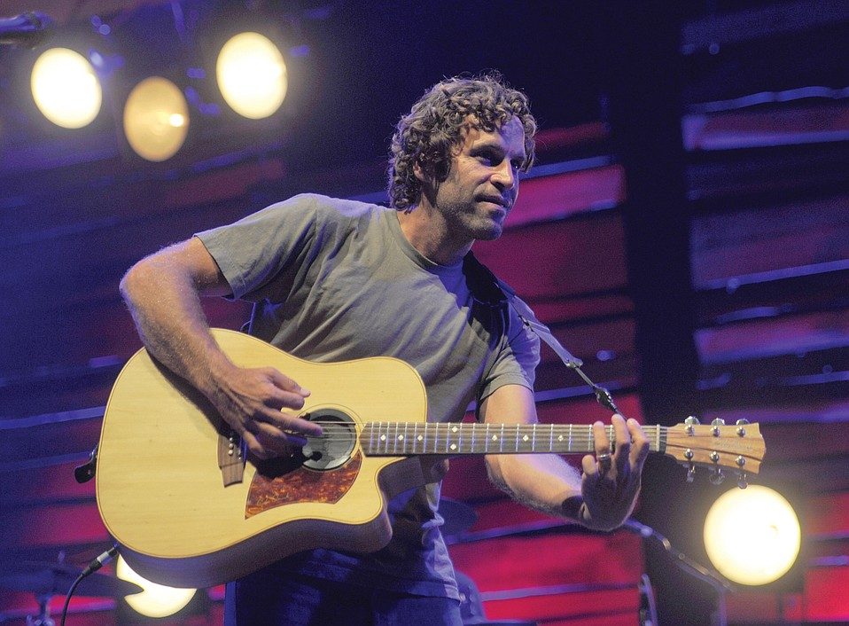 Jack Johnson is changing the way touring bands treat the environment by eliminating single-use plastic bottles and cups at his shows.