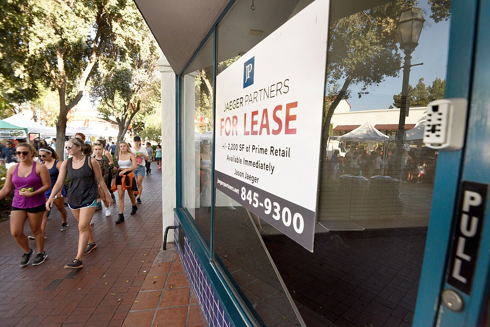 """The audience assembled for the MIT Enterprise Forum titled """"Retail Reinvention"""" on September 20 wanted to know if State Street could be closed, as it is for the Farmers Market on Tuesday afternoons, to form a more attractive environment and bring tenants to empty storefronts."""