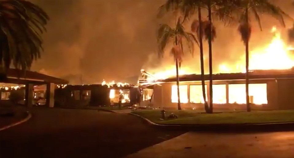 Vista del Mar burns in the early hours of Tuesday, December 5.