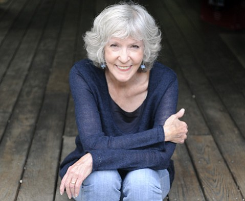 Sue Grafton, pictured here in a 2015 photograph, dies at age 77.