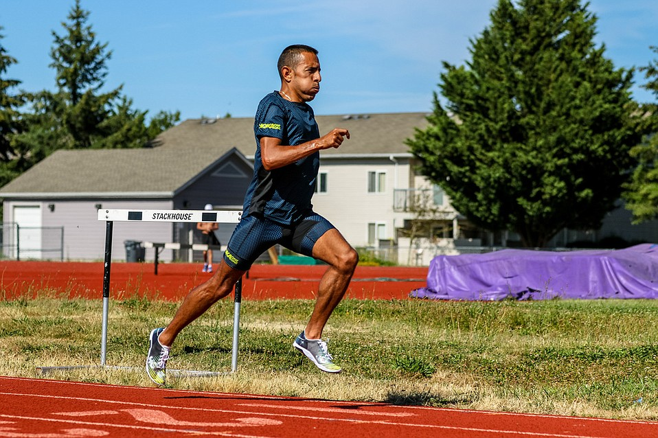 Leo Manzano hopes to be kicking through the four-minute mile Friday night the same way he raced to an Olympic silver medal in 2012.