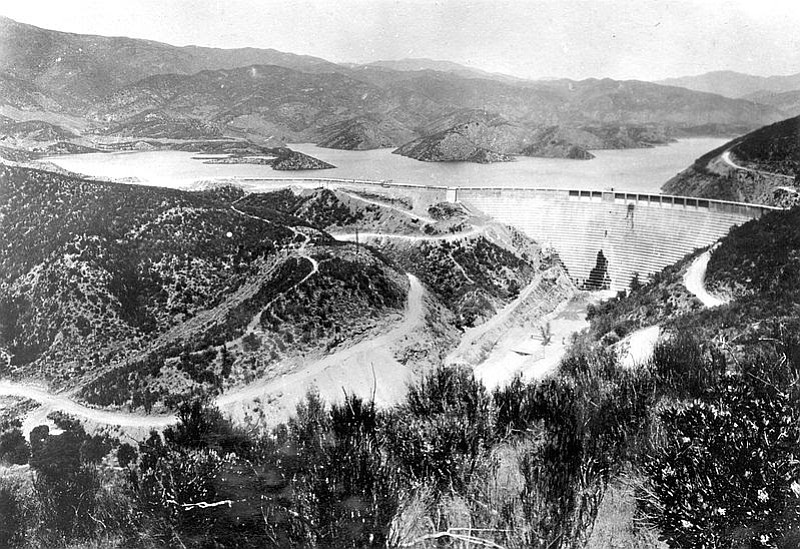 The St. Francis Dam prior to the devastating 1928 collapse that unleashed 12 billion gallons of water, killing more than 400 and wiping out some 1,400 buildings.