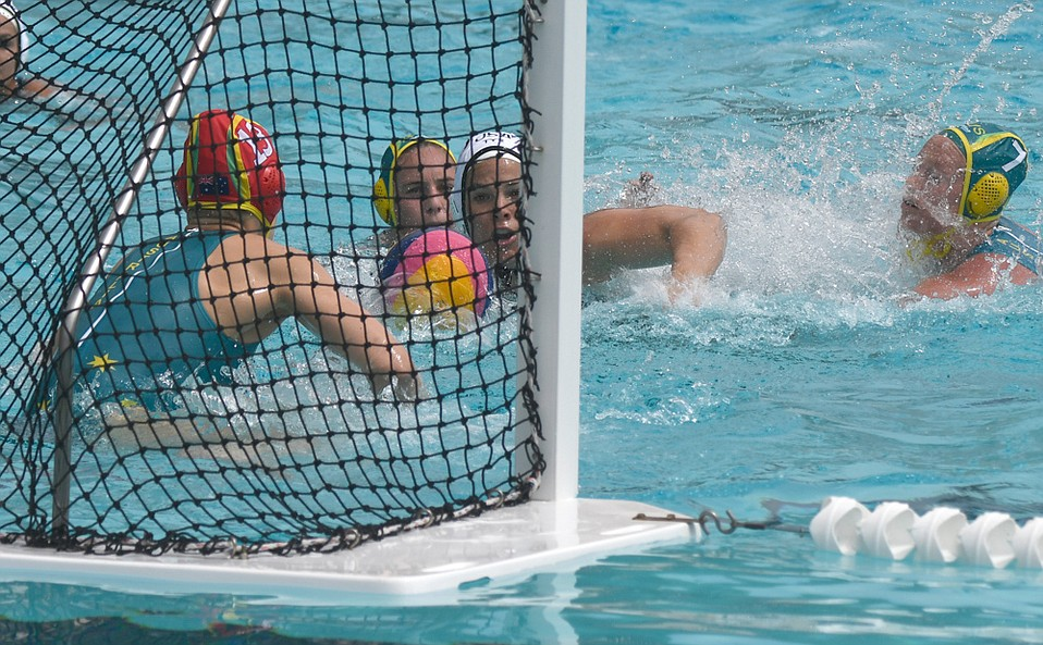 While a capacity crowd at Santa Barbara High paid tribute to retired U.S. water polo star Kami Craig, Australia's goalkeeper and two defenders denied her a chance to score during her brief appearance in the pool.