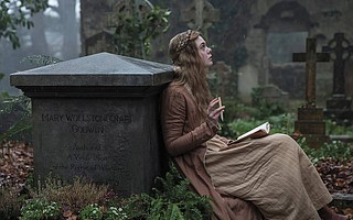 Elle Fanning in <em>Mary Shelley</em>