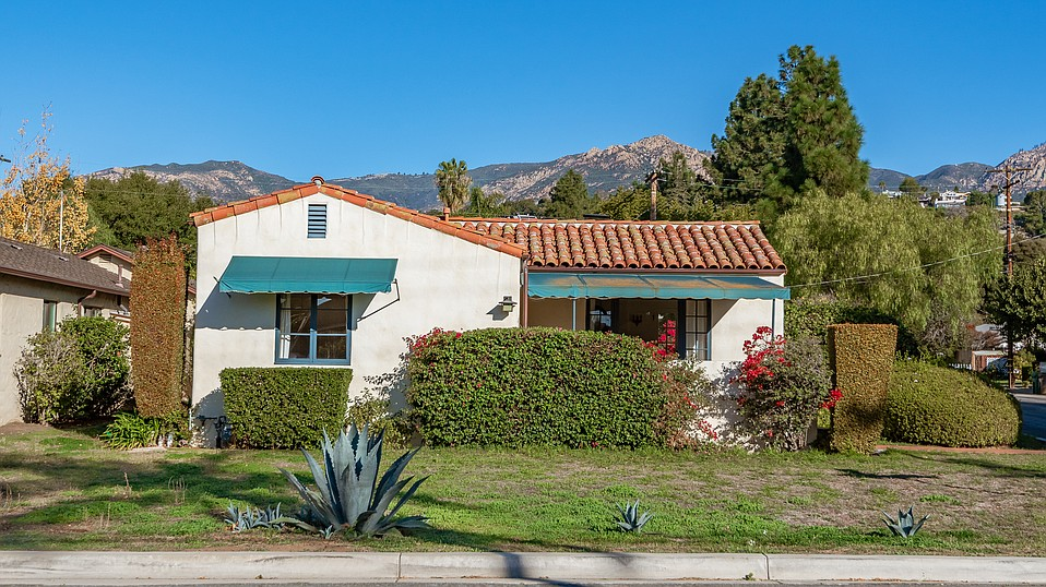 Address: 2900 Puesta Del Sol | Status: On the market | Price: $985,000